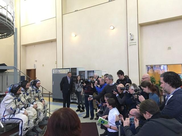 Expedition 55-56-57-58 (prévision novembre 2017 à novembre 2018) Dt4qff10