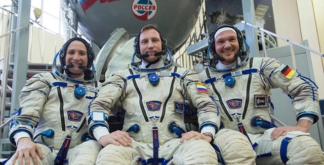 Expedition 55-56-57-58 (prévision novembre 2017 à novembre 2018) Dt6ani11