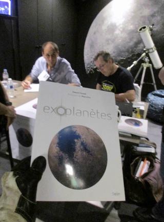 Exoplanètes - de David Fossé et illustré par Manchu Img_2011