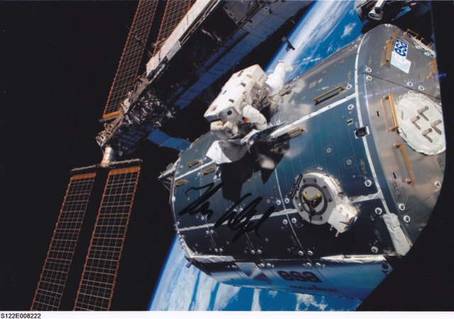 10ème anniversaire du module européen Columbus - 7 février 2008 Sts-1210
