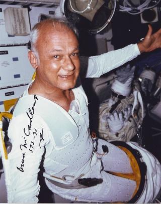 Disparition de l'astronaute Bruce McCandless (1937 - 2017) Sts-3110