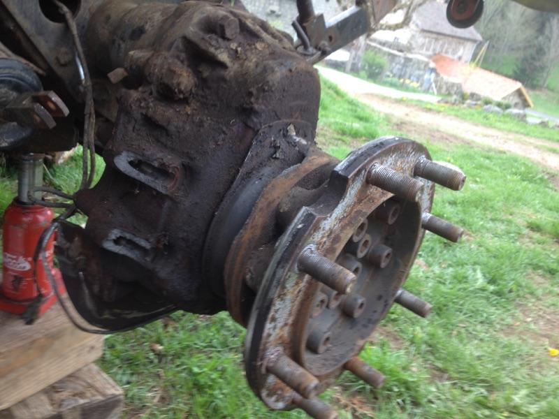 frein arrière gauche cassé mb trac 900 Img_0410