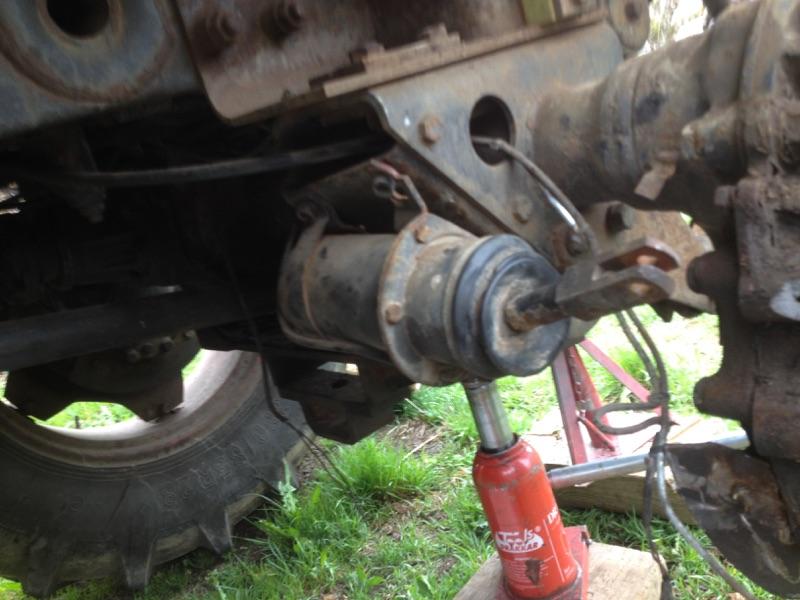 frein arrière gauche cassé mb trac 900 Img_0411