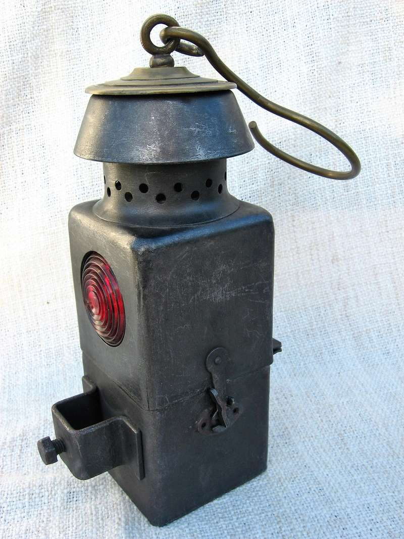 lampes de mineurs,  divers objets de mine, outils de mineur et documents  - Page 8 Img_0921