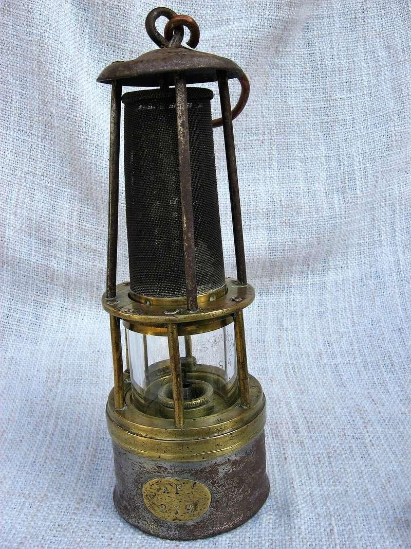 lampes de mineurs,  divers objets de mine, outils de mineur et documents  - Page 8 Img_1024