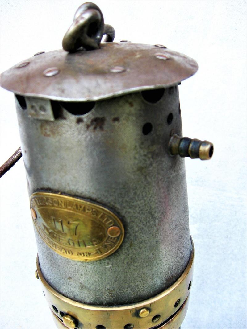 lampes de mineurs,  divers objets de mine, outils de mineur et documents  - Page 8 Img_1242