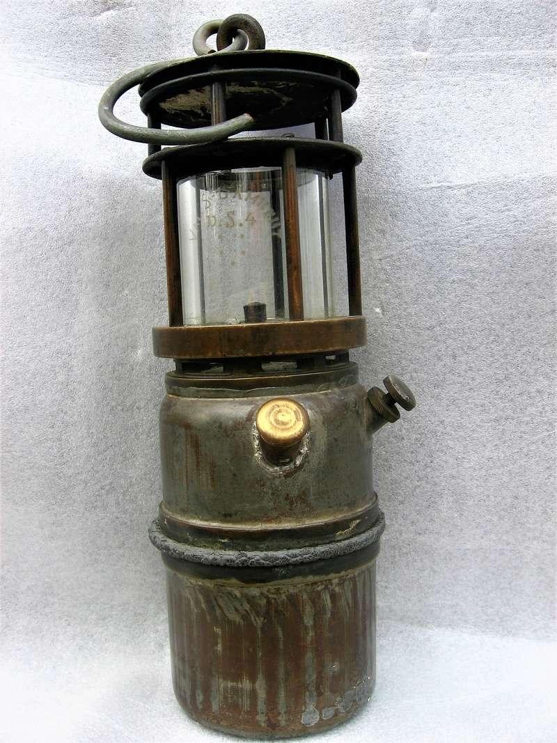 lampes de mineurs,  divers objets de mine, outils de mineur et documents  - Page 8 Img_1313