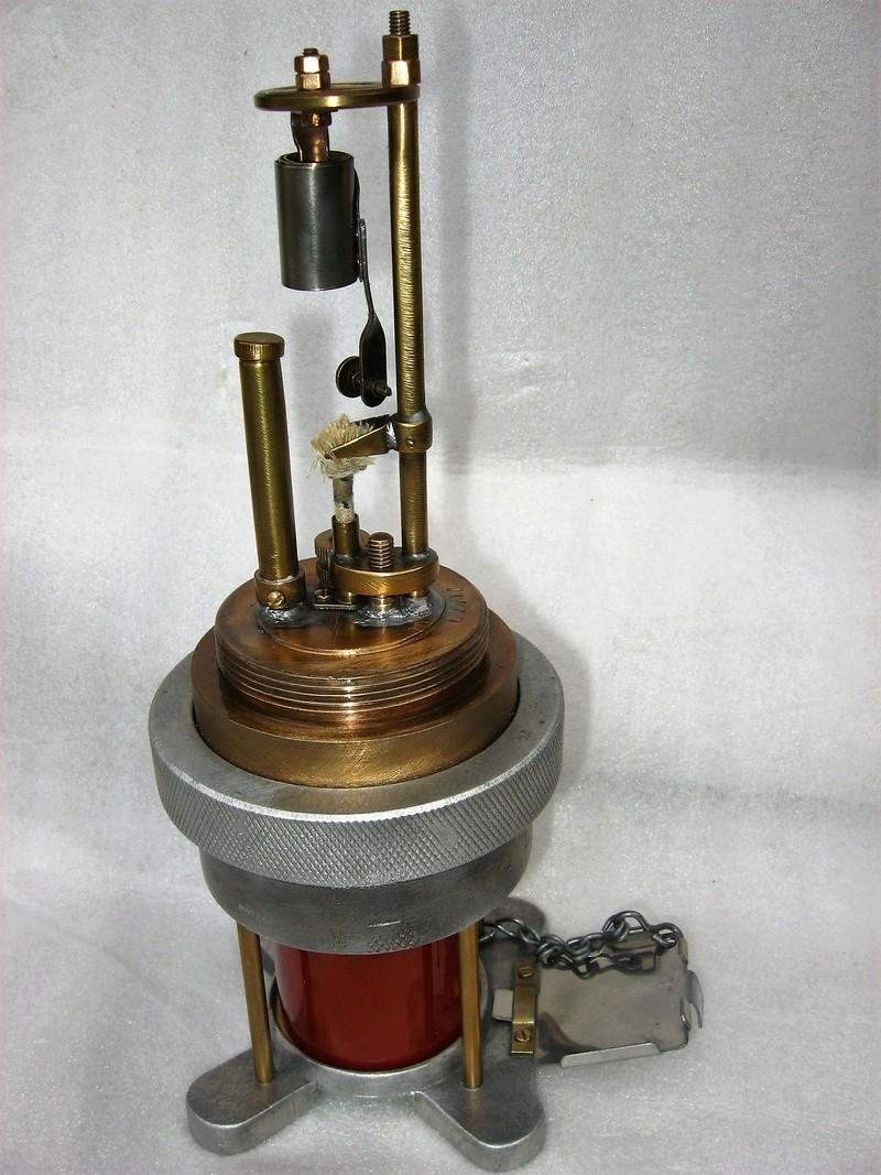 lampes de mineurs,  divers objets de mine, outils de mineur et documents  - Page 8 Img_1328