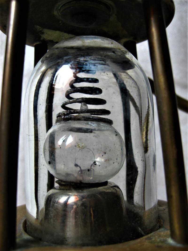 lampes de mineurs,  divers objets de mine, outils de mineur et documents  - Page 8 Img_1420