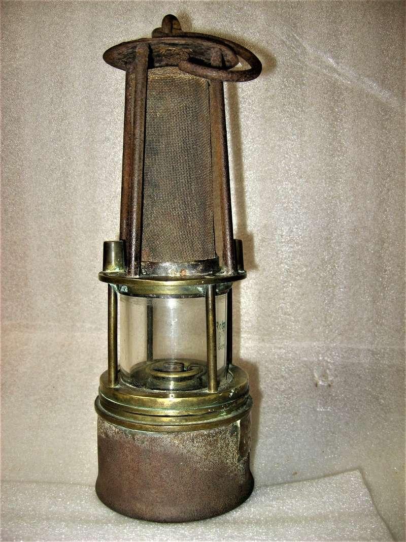 lampes de mineurs,  divers objets de mine, outils de mineur et documents  - Page 9 Img_1430