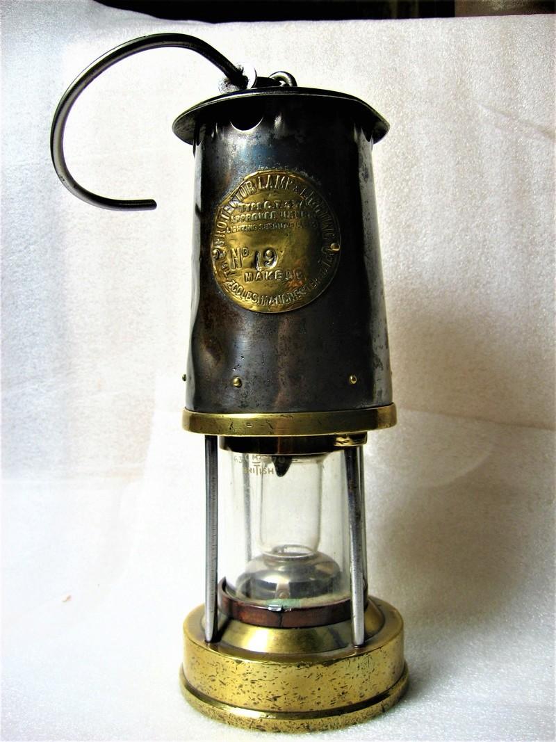 lampes de mineurs,  divers objets de mine, outils de mineur et documents  - Page 9 Img_1433