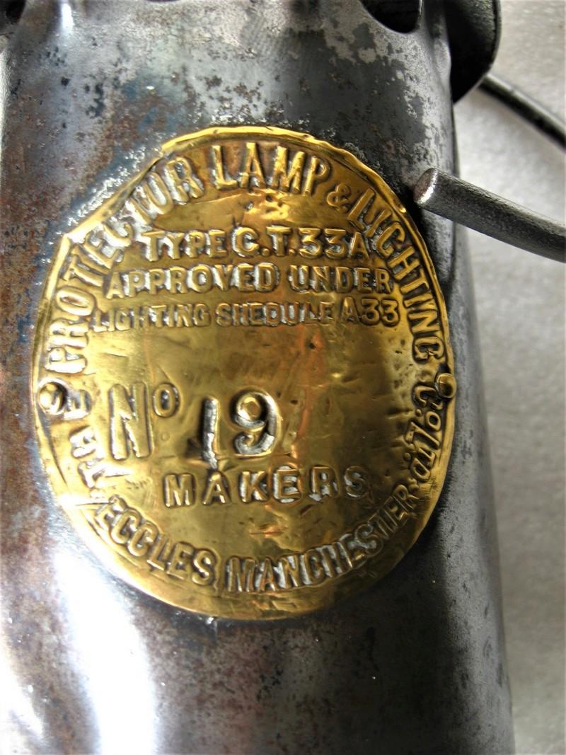lampes de mineurs,  divers objets de mine, outils de mineur et documents  - Page 9 Img_1435