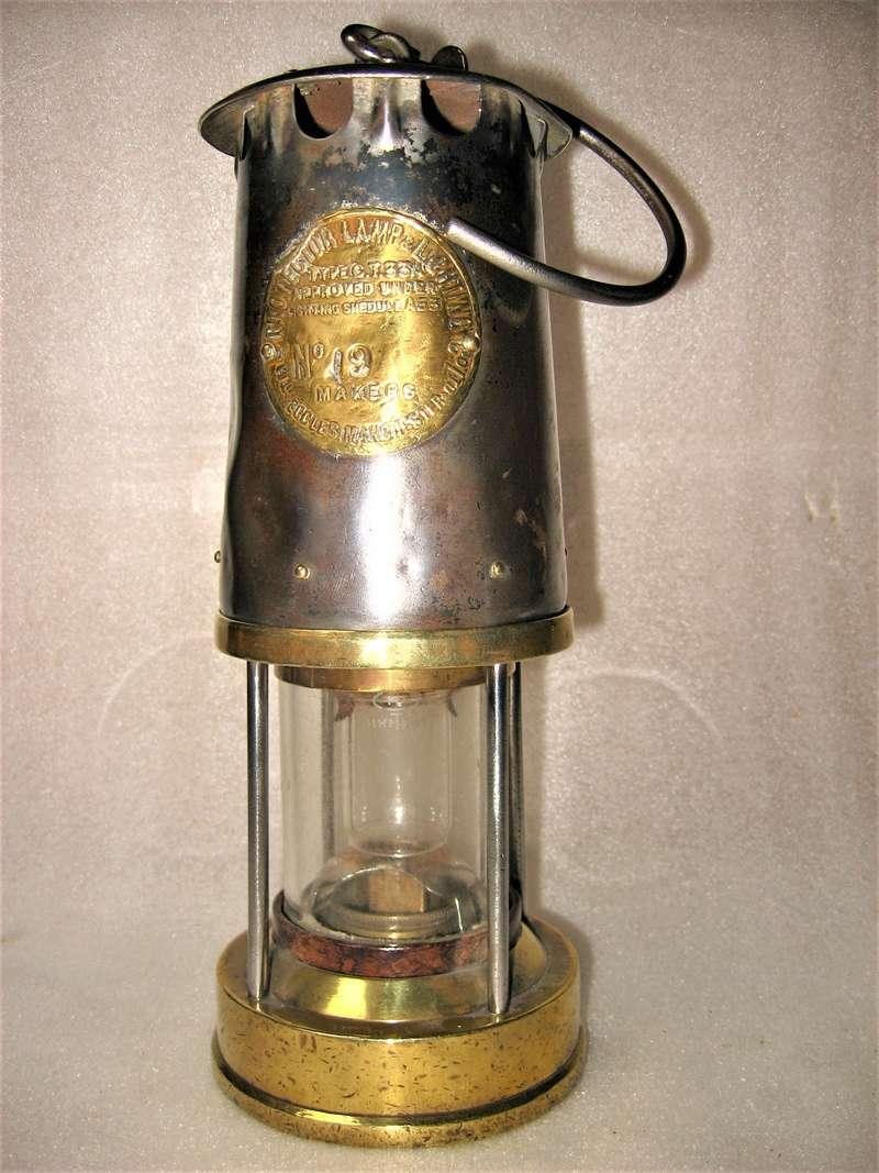 lampes de mineurs,  divers objets de mine, outils de mineur et documents  - Page 9 Img_1438
