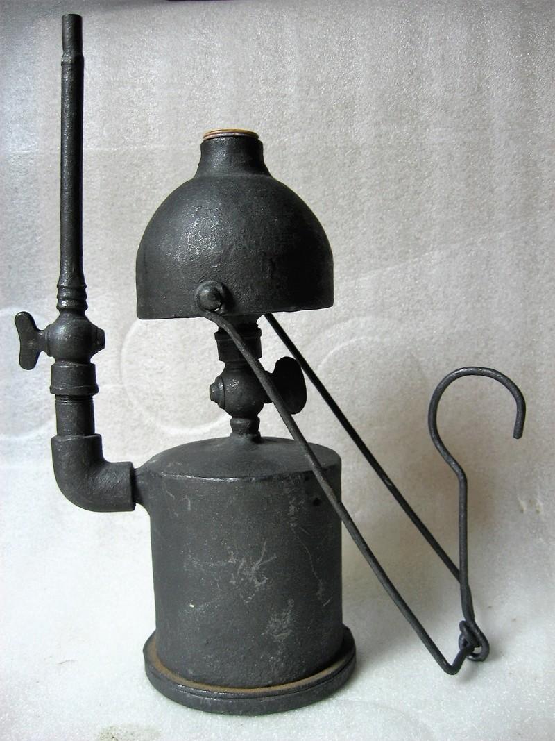 lampes de mineurs,  divers objets de mine, outils de mineur et documents  - Page 9 Img_1510