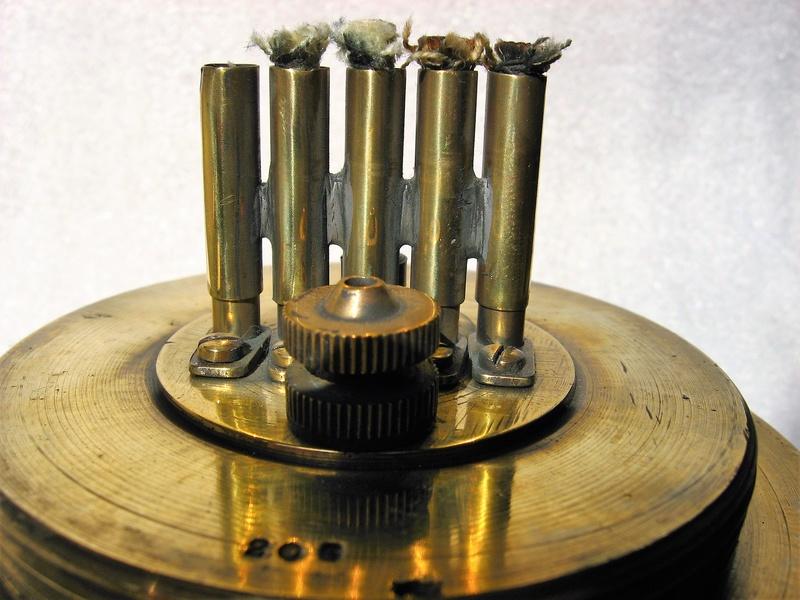 lampes de mineurs,  divers objets de mine, outils de mineur et documents  - Page 9 Img_1625