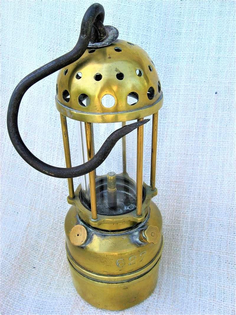 lampes de mineurs,  divers objets de mine, outils de mineur et documents  - Page 9 Img_1641