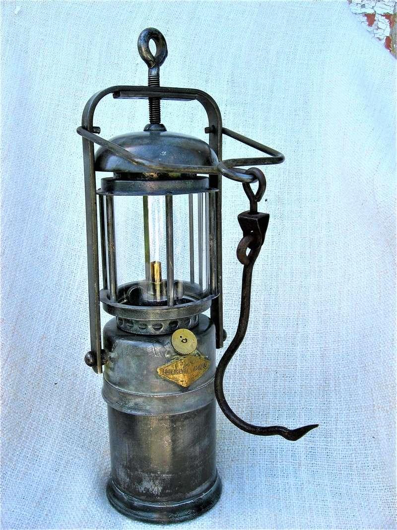 lampes de mineurs,  divers objets de mine, outils de mineur et documents  - Page 9 Img_1643