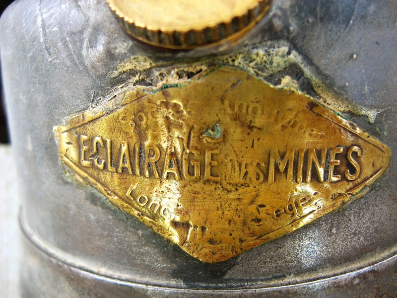 lampes de mineurs,  divers objets de mine, outils de mineur et documents  - Page 9 Img_1645