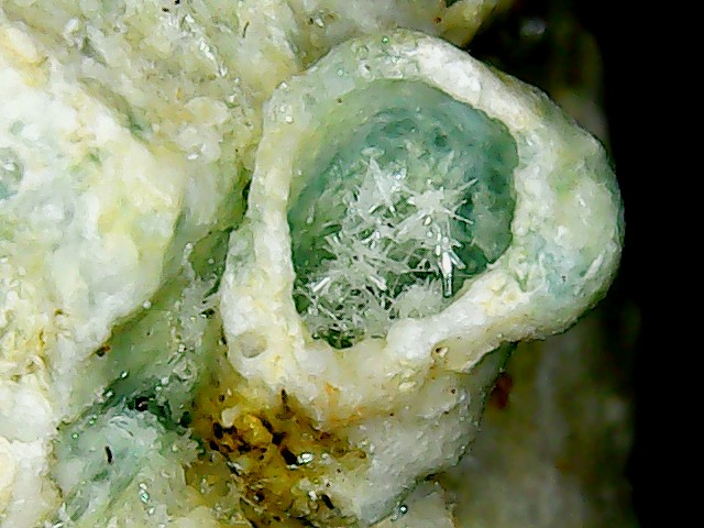 Aragonite et ou calcite Win_2845