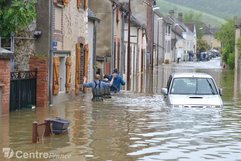 Et si on se racontait nos régions ? - Page 4 Inonda16