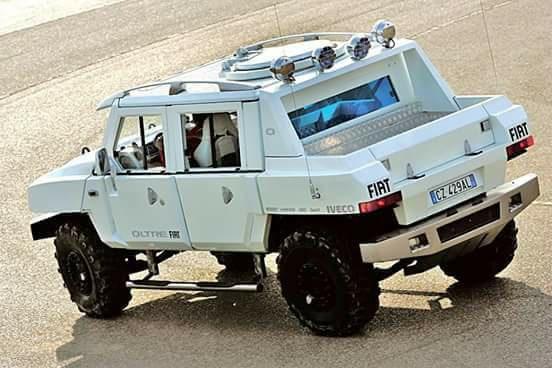 la réplique de FIAT contre le Hummer 33599910