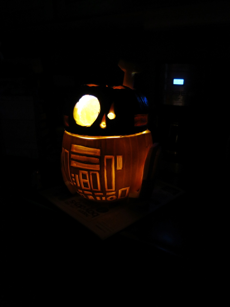 THE SECOND ANNUAL TXI STAR WARS PUMPKIN CARVING CONTEST - Page 2 Img_9910