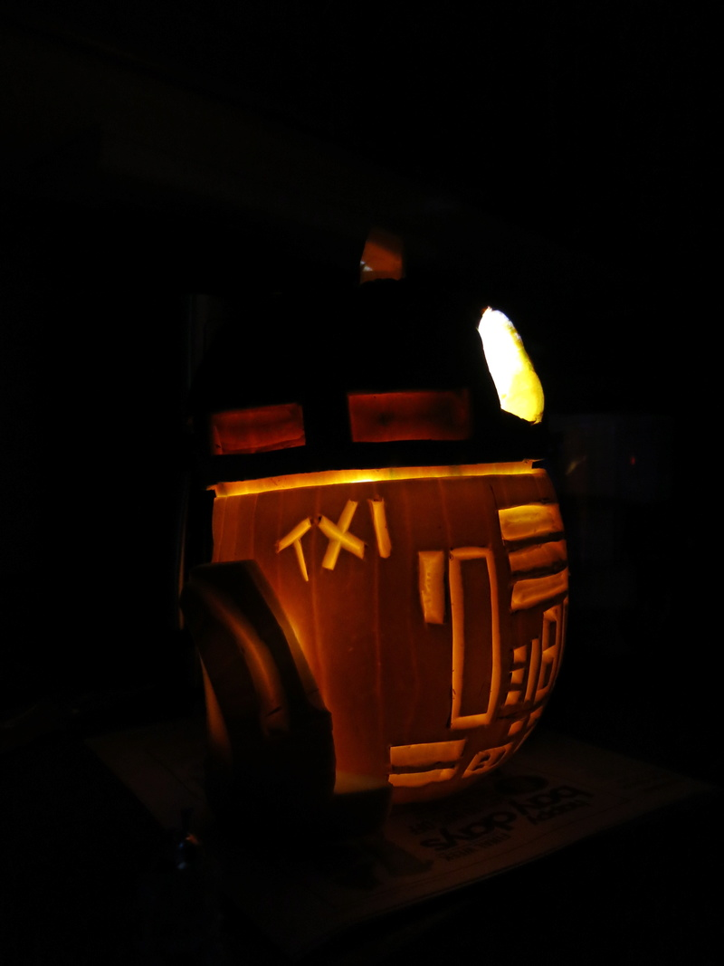 THE SECOND ANNUAL TXI STAR WARS PUMPKIN CARVING CONTEST - Page 2 Img_9914