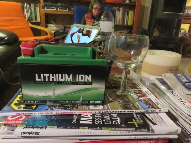 Installation batterie 12 V sur 881 Img_0011