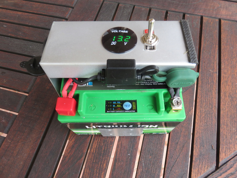 Installation batterie 12 V sur 881 Img_9410