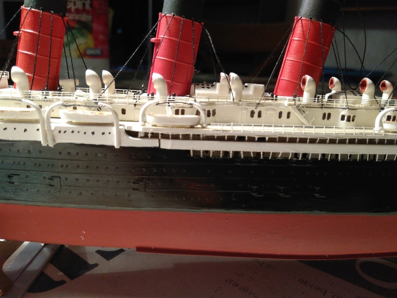 RMS Mauretania, 1/600 de chez Airfix Img_2028