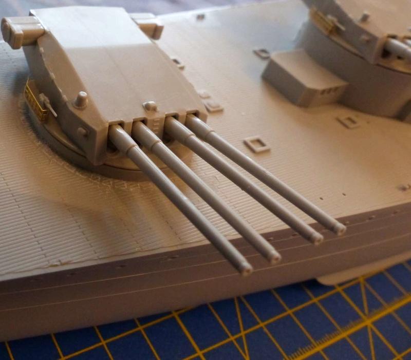 DUNKERQUE [1939] 1/350 HobbyBoss + pont en bois artwox P1010014