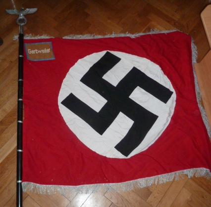 Drapeau du parti allemand P1500810