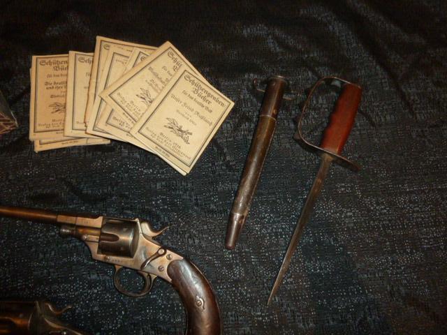 Hitlerjugend, Reichsrevolver, TK17, épée de Gandalf, allemand 1914/18...... P1600128