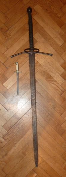 Hitlerjugend, Reichsrevolver, TK17, épée de Gandalf, allemand 1914/18...... P1600131
