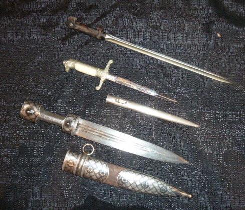 Hitlerjugend, Reichsrevolver, TK17, épée de Gandalf, allemand 1914/18...... P1600134