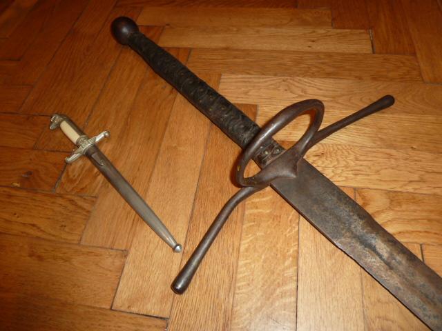 Hitlerjugend, Reichsrevolver, TK17, épée de Gandalf, allemand 1914/18...... P1600136