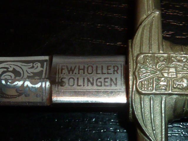 Roumanie, dague ou miniature de dague? - Fabrication allemande: Holler. P1600142