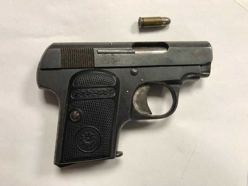 Identification d'un pistolet ancien Img_1810