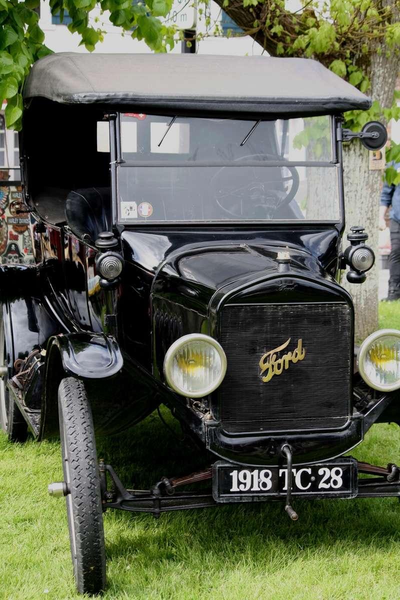 LORMAYE 28 - 3 ème Rassemblement American Legend , voitures et motos anciennes  Img_5308