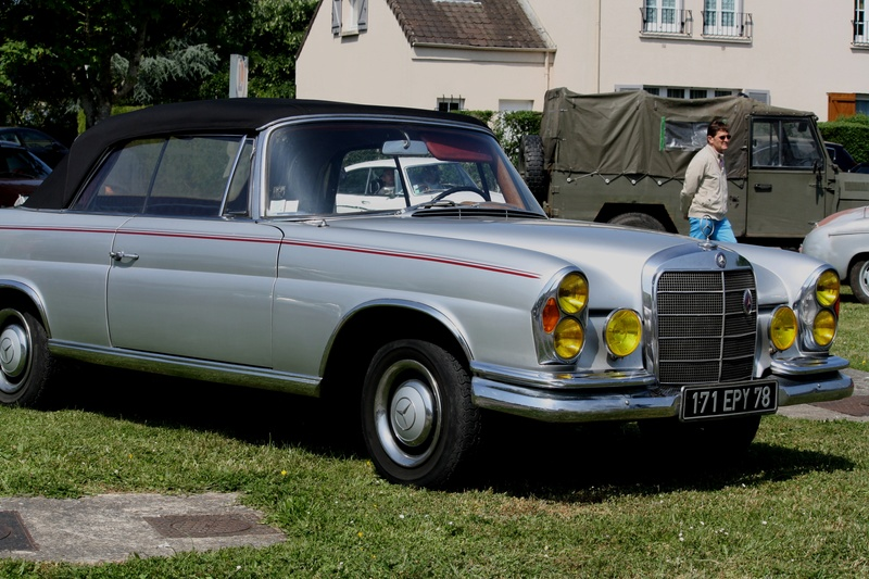 MERCEDES  220  SE  Cabriolet Img_5917