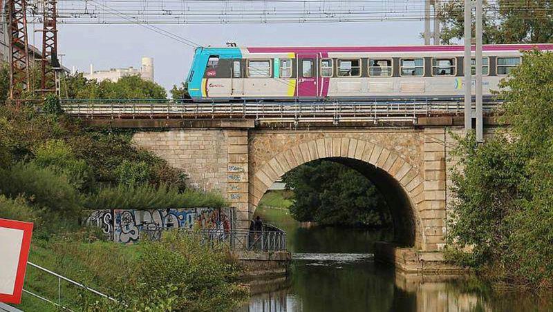 Halte ferroviaire du Centre Hospitalier du Mans Sans-t15