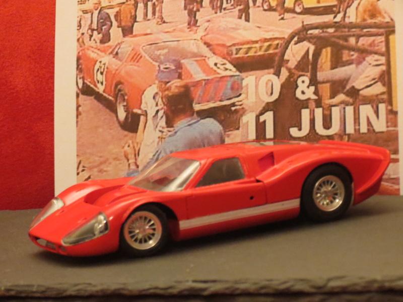 Ford GT40 (au pluriel) et leur descendance  Fordgt11