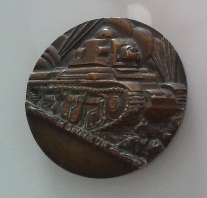 Une grosse médaille en bronze ... ??? Grosse10