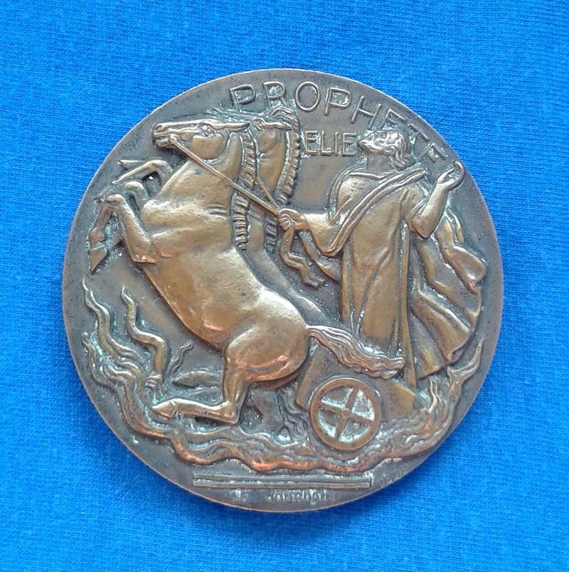 Une grosse médaille en bronze ... ??? Mydail11