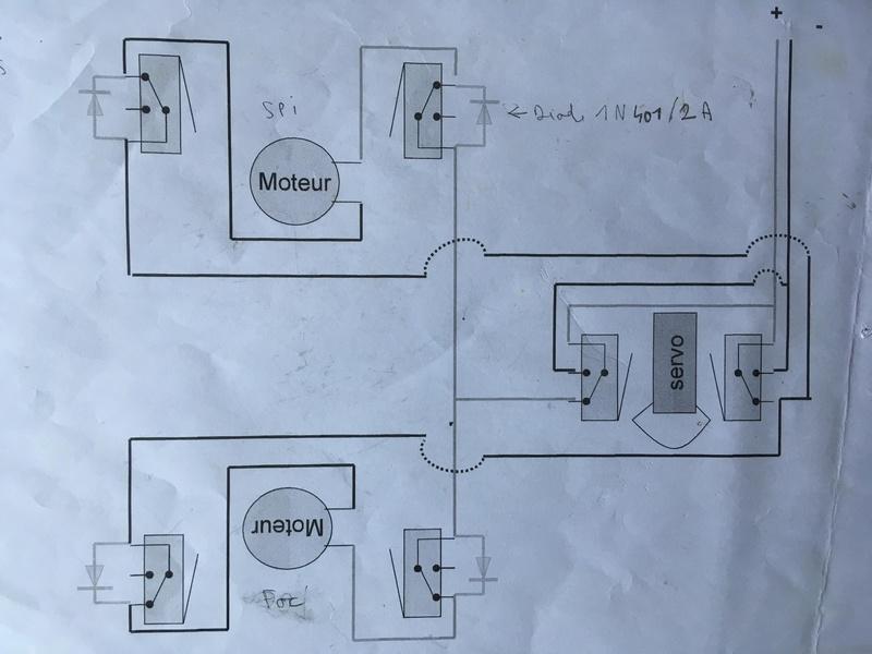 Construction d'un Open 60 au 1/12e - Page 2 Enroul11