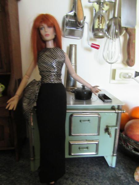 La toute vieille petite cuisinière... Elle fume, elle chauffe!!! Img_1132