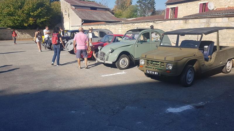 Expo vieilles voitures sur brocante de chez moi  20171013