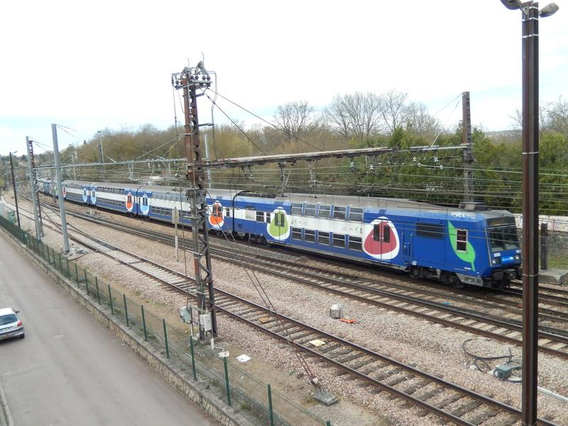 En gare de Moret- Veneux-les -Sablons avril 2018 Dscn8318