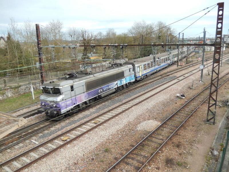 En gare de Moret- Veneux-les -Sablons avril 2018 Dscn8319