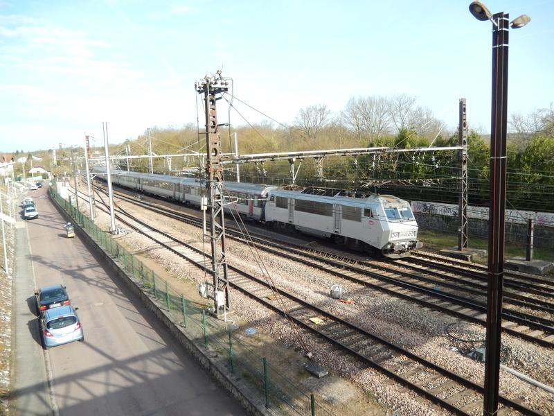 En gare de Moret- Veneux-les -Sablons avril 2018 Dscn8412